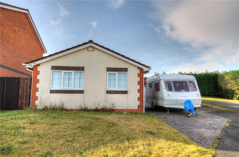 2 Bedrooms Detached Bungalow for sale in Brackenbeds Close, Pelton, Chester Le Street, DH2
