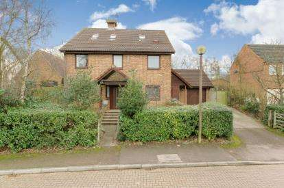 5 Bedrooms Detached House for sale in Rylstone Close, Heelands, Milton Keynes
