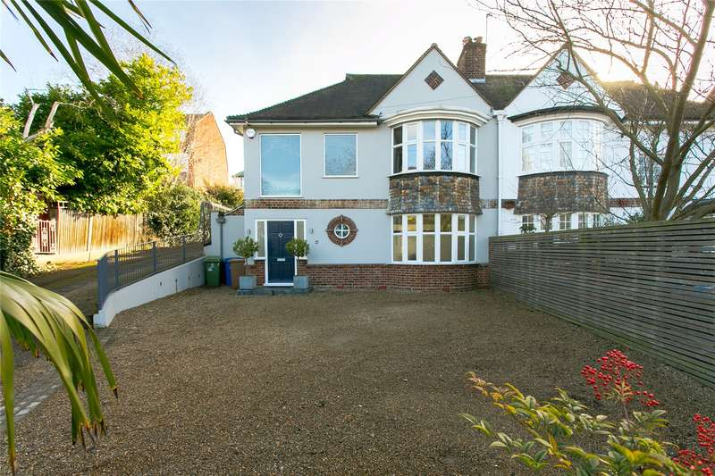 3 Bedrooms Semi Detached House for sale in Brenchley Gardens, London, SE23