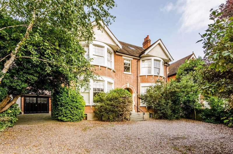 5 Bedrooms House for rent in Vineyard Hill Road, Wimbledon, SW19