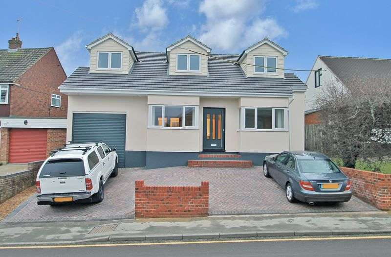 4 Bedrooms Detached House for sale in Down Hall Road, Rayleigh
