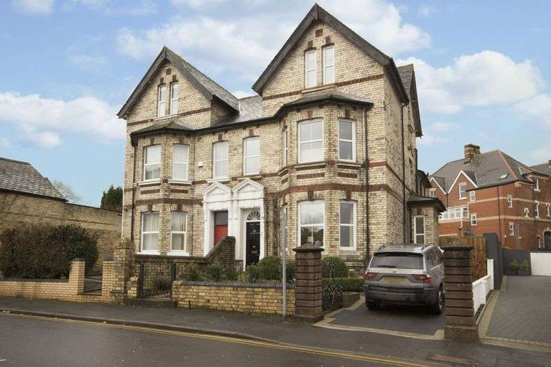 5 Bedrooms Semi Detached House for sale in Caerau Road, Newport