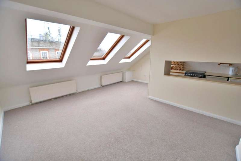 1 Bedroom Flat for sale in Canford Cliffs, Poole