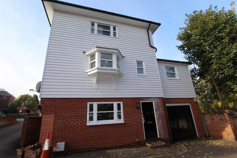 3 Bedrooms House for sale in Belgrave Place, East Hill, Colchester