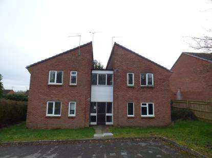 1 Bedroom Flat for sale in Longstock Court, Eastleaze, Swindon, Wiltshire