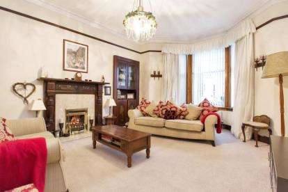4 Bedrooms Detached House for sale in Gogoside Road, Largs