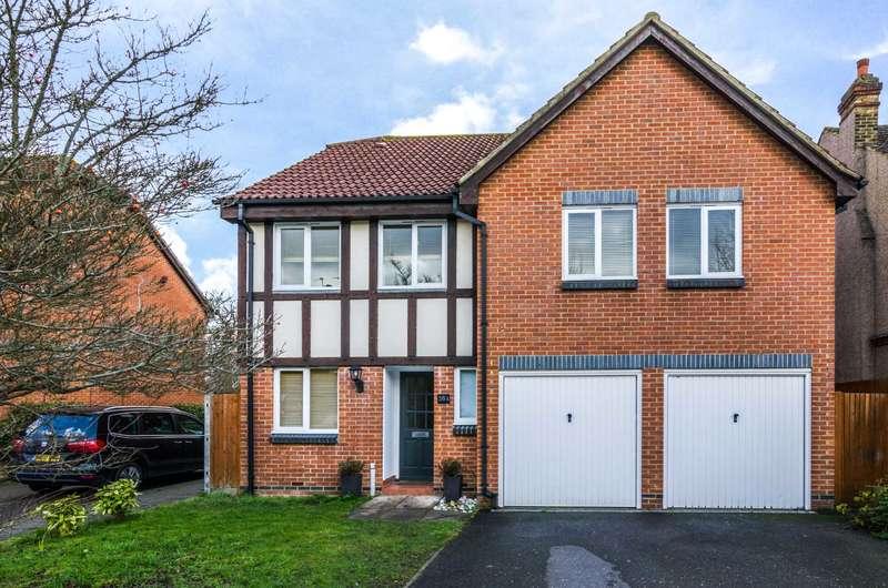 5 Bedrooms Detached House for sale in Longlands Park Crescent, Sidcup, DA15 7NE