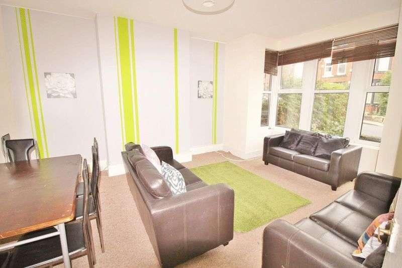 8 Bedrooms Terraced House for rent in Estcourt Avenue, Leeds