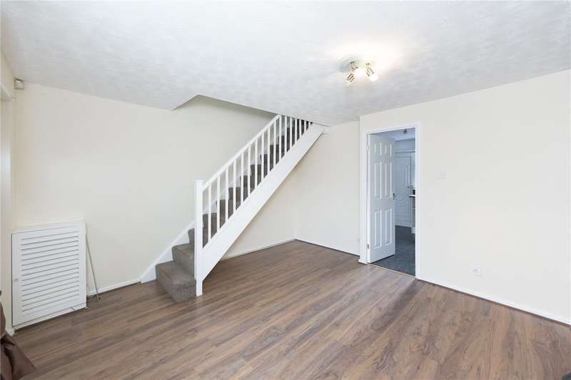 2 Bedrooms Terraced House for sale in Musgrave Mount, Bramley, Leeds, West Yorkshire, LS13