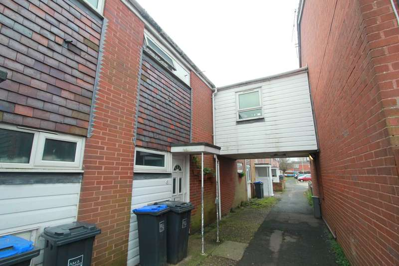 4 Bedrooms Terraced House for sale in Barnet Way, Worthing
