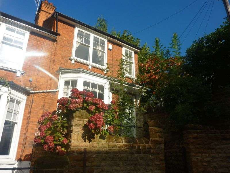 3 Bedrooms Terraced House for rent in Ebers Grove, Nottingham