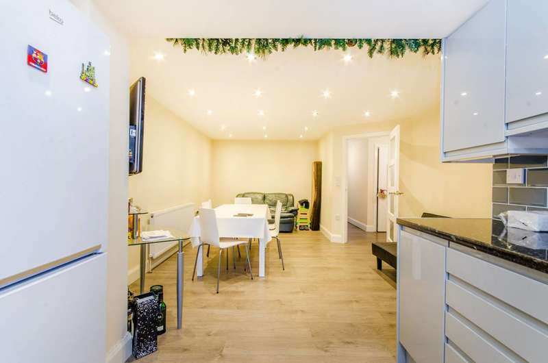 6 Bedrooms Flat for sale in Compton Crescent, Tottenham, N17
