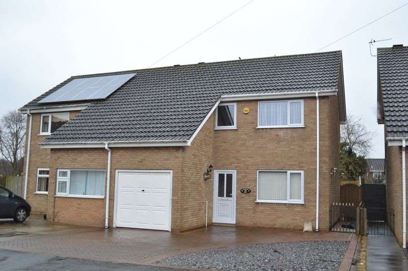 3 Bedrooms Semi Detached House for sale in Perth Way, Immingham