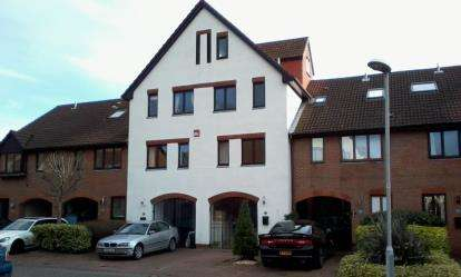 3 Bedrooms Terraced House for sale in Port Solent, Portsmouth, Hampshire
