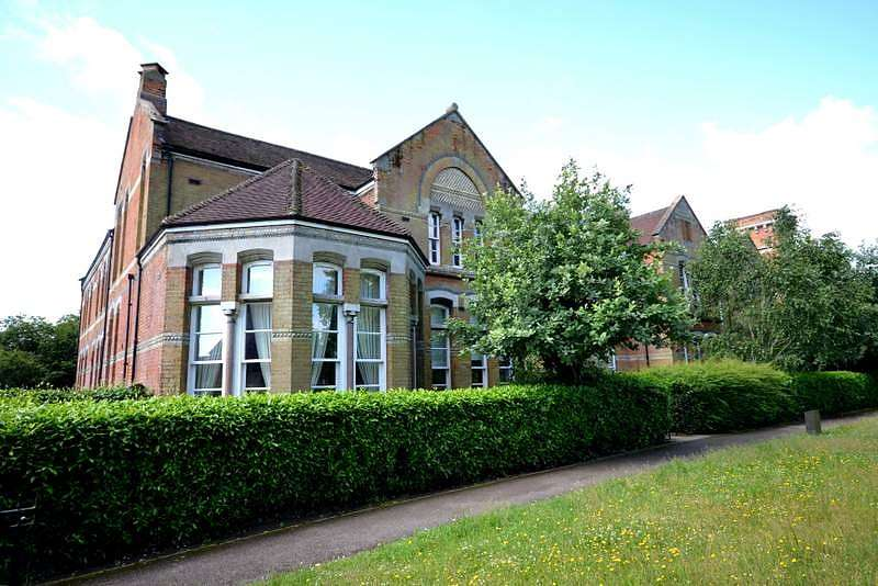 1 Bedroom Flat for sale in Guildford