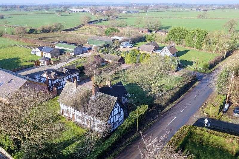 3 Bedrooms Detached House for sale in Nantwich Road, Wrenbury, Nantwich
