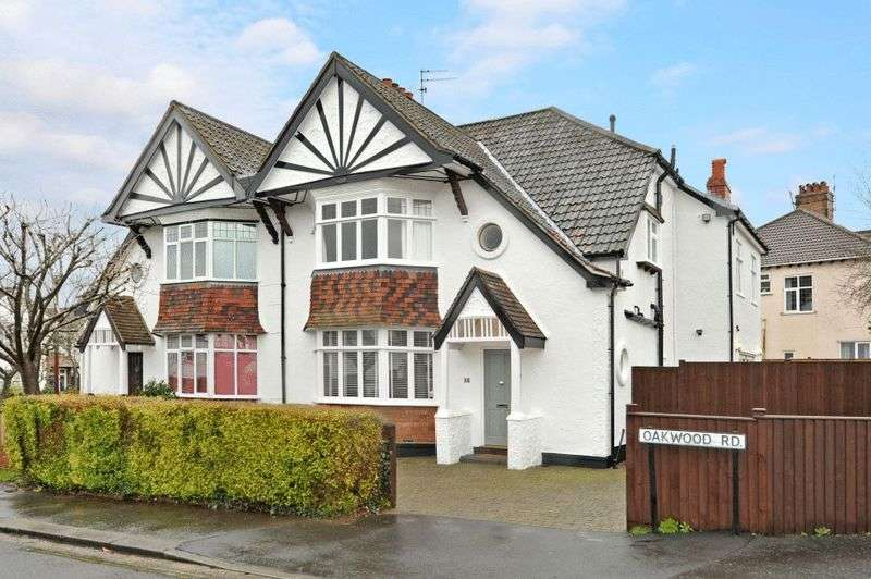 4 Bedrooms Semi Detached House for sale in Oakwood Road, Henleaze