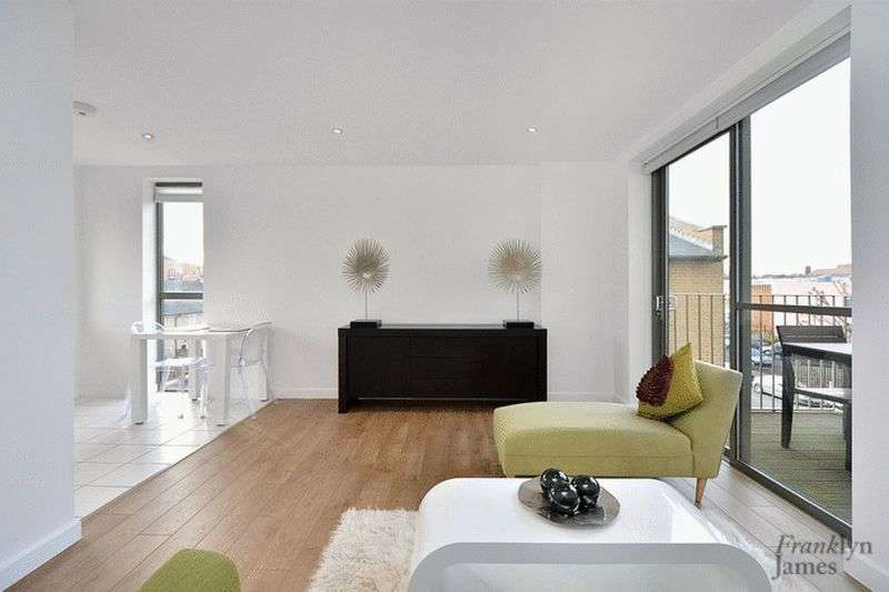 2 Bedrooms Flat for sale in Essian Street, Canary Wharf, E1