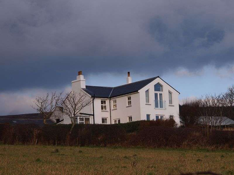 4 Bedrooms Detached House for sale in Ballakillowey Road, Isle Of Man