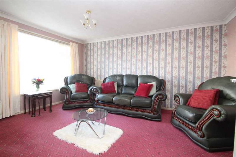 3 Bedrooms Terraced House for sale in Downing Close, Ipswich