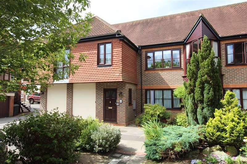 2 Bedrooms Apartment Flat for sale in Willows Court, Station Road, Pangbourne, Reading, RG8