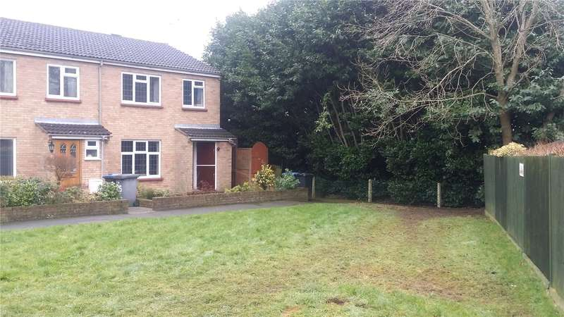 3 Bedrooms End Of Terrace House for sale in Frithwald Road, Chertsey, Surrey, KT16