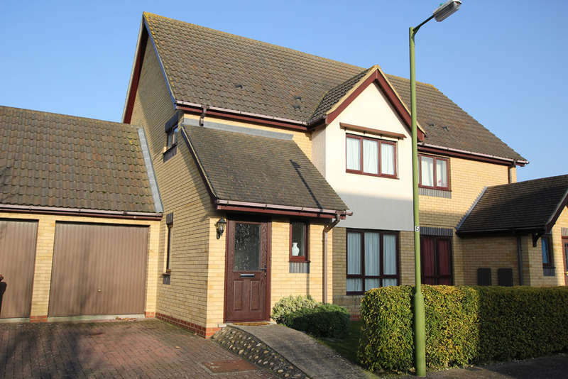 3 Bedrooms Semi Detached House for sale in Quail Walk, Royston