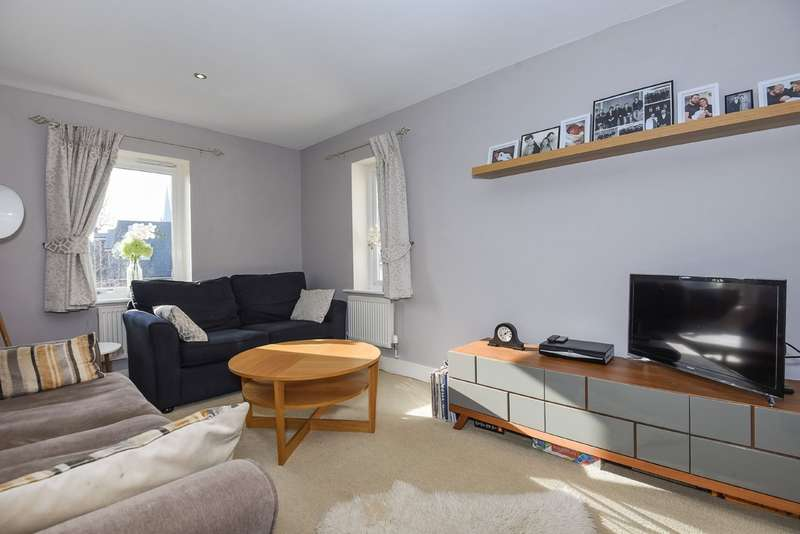 3 Bedrooms End Of Terrace House for sale in Nr Railway station