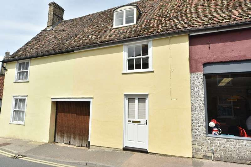 2 Bedrooms Terraced House for sale in St Andrews Street, Mildenhall, Bury St. Edmunds