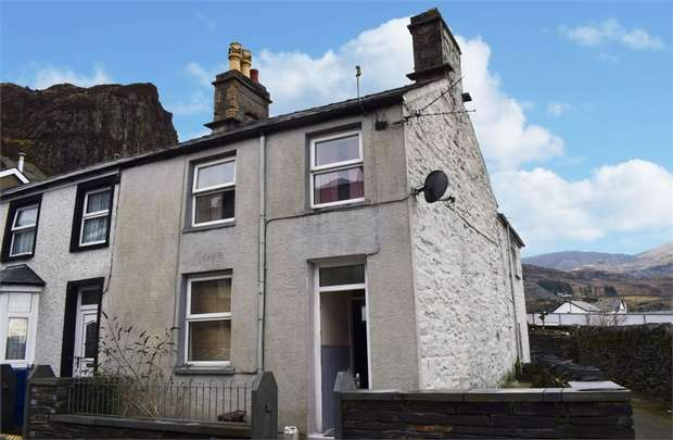 3 Bedrooms End Of Terrace House for sale in Cromwell Street, Blaenau Ffestiniog, Gwynedd