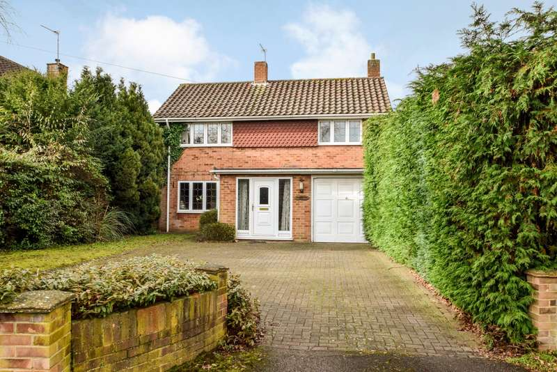 3 Bedrooms Detached House for sale in Dropmore Road, Burnham, SL1