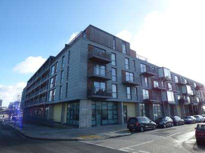 2 Bedrooms Flat for sale in Millbay, Plymouth, Devon
