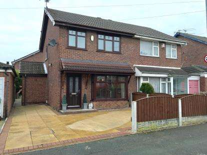 3 Bedrooms Semi Detached House for sale in Winchester Avenue, Great Sankey, Warrington, Cheshire