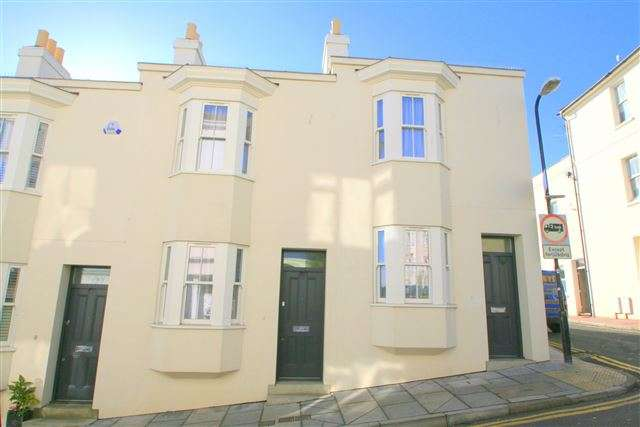 4 Bedrooms Terraced House for sale in Upper Gloucester Road, Brighton, East Sussex, BN1 3LQ