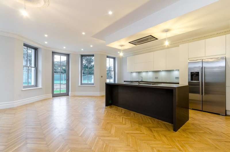 3 Bedrooms House for sale in Featherbed Villas, Hampton, TW12