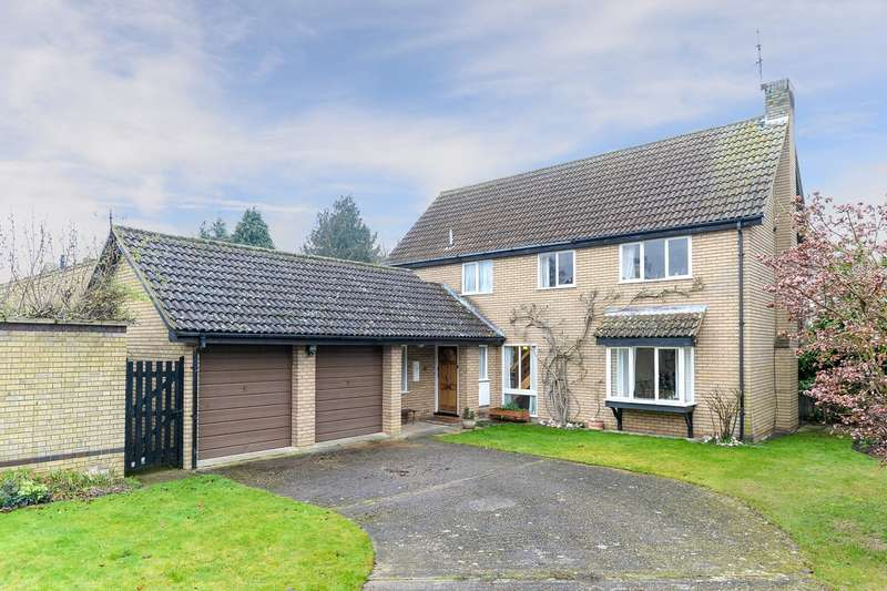 4 Bedrooms Detached House for sale in Downlands, Royston, SG8
