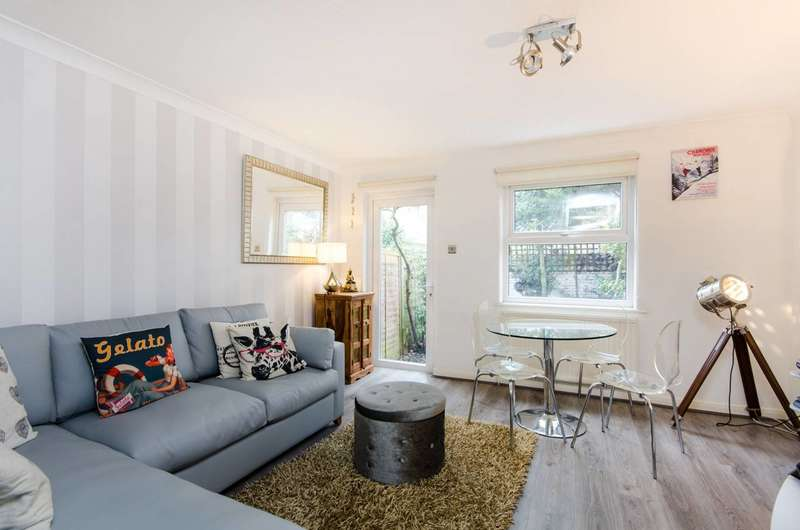 2 Bedrooms House for sale in Chestnut Close, Streatham, SW16