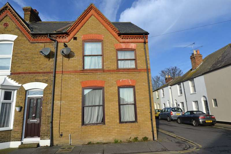 2 Bedrooms Maisonette Flat for sale in Swanfield Road, Whitstable