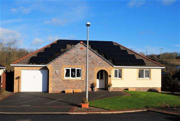 3 Bedrooms Detached Bungalow for sale in 75 Gibbas Way