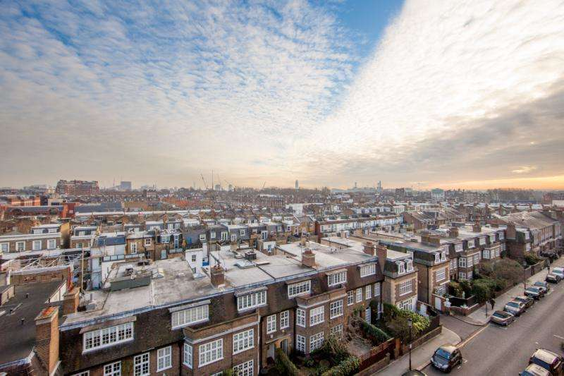 3 Bedrooms Flat for sale in Swan Court, Chelsea Manor Street, Chelsea, London, SW3