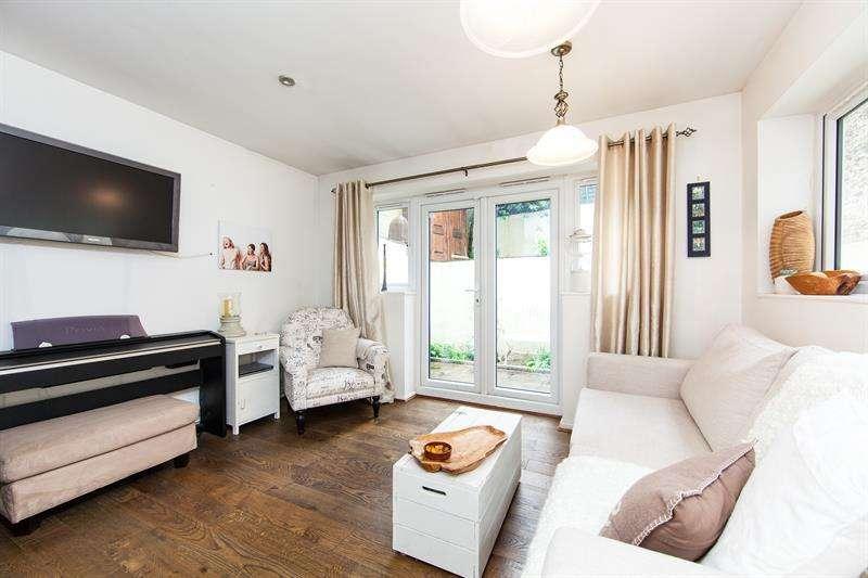 2 Bedrooms Flat for sale in Glazbury Road, West Kensington, W14