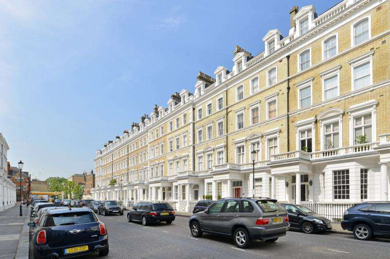 3 Bedrooms Flat for sale in Onslow Gardens, London, SW7