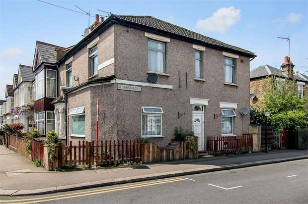 2 Bedrooms Flat for sale in St Johns Road, Walthamstow, London