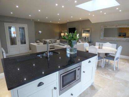 3 Bedrooms Semi Detached House for sale in Tullimore Road, Liverpool, Merseyside, L18