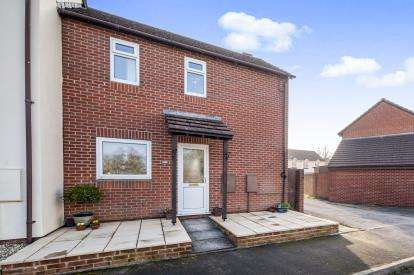 2 Bedrooms Semi Detached House for sale in Newton Abbot, Devon, United Kingdom