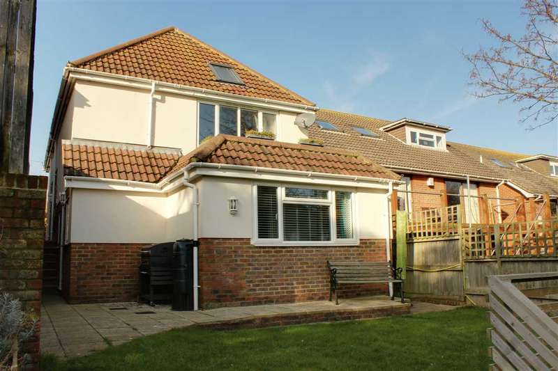 4 Bedrooms Detached House for sale in Ambleside Avenue, Telscombe Cliffs