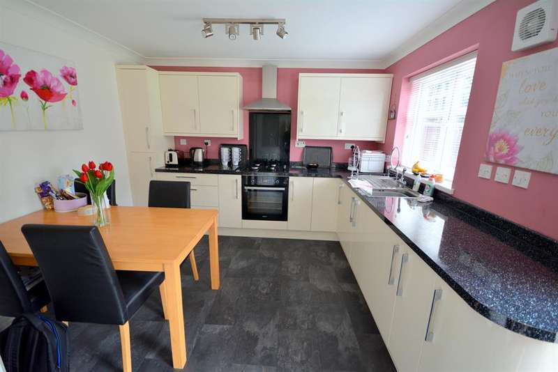 4 Bedrooms Semi Detached House for sale in Orchard Court, Bishop Auckland, DL14 6FF