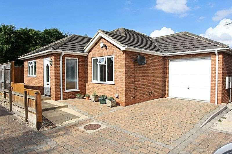 3 Bedrooms Detached Bungalow for sale in Cottage Gardens, Barrow-Upon-Humber