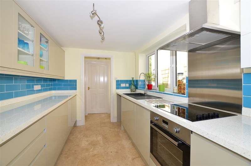 2 Bedrooms Terraced House for sale in Warehorne Road, Hamstreet, Ashford, Kent