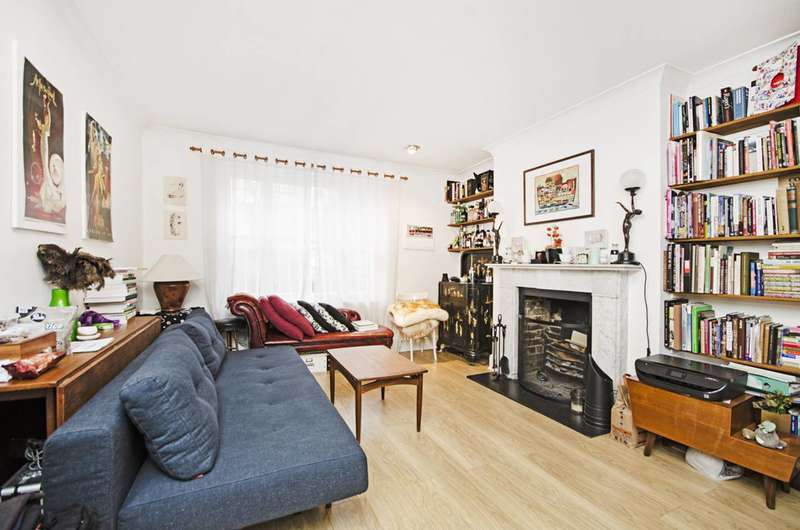 2 Bedrooms Flat for sale in Darnley Road, Victoria Park, E9